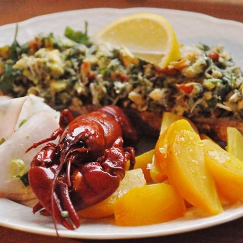 krabbröra med gulbetor och majrova